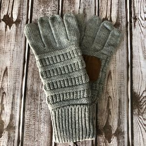 Solid Gray ribbed C.C glove with smart tips